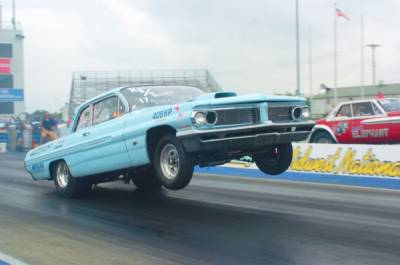 Larry Quinns 1962 Pontiac Catalina. 8.95 @ 151 MPH!! Cover