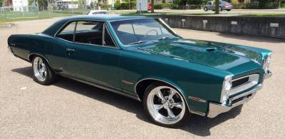 1966 Pontiac GTO with a Tri Power/Butler 505 cu.in. Cover